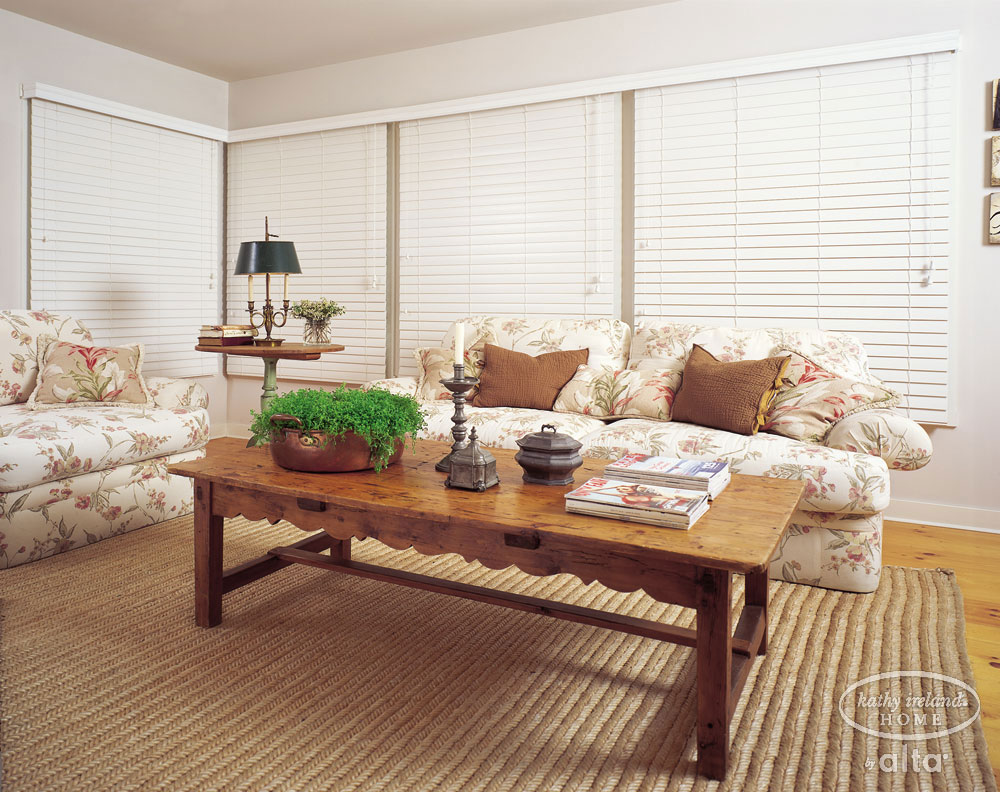 Faux Wood Blinds (Livingroom)