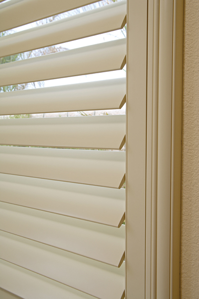 Wood Vs Composite Plantation Shutters Carolina Blind
